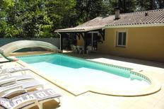 Ferienhaus 1347261 für 5 Erwachsene + 1 Kind in Veyrignac