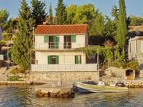 Ferienhaus 1348794 für 8 Personen in Kornati-Zut