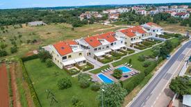 Appartement 1349345 voor 4 personen in Poreč