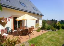 Holiday home 1351207 for 8 persons in Plougrescant