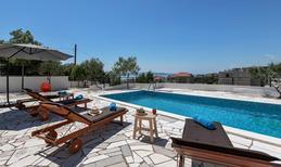 Ferienhaus 1351695 für 8 Personen in Makarska