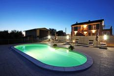 Ferienwohnung 1352216 für 4 Personen in Montecastrilli