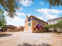 Villa 1352644 per 8 persone in Campos