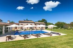 Ferienhaus 1352784 für 14 Personen in Krculi