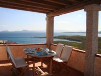Ferienwohnung 1353045 für 5 Personen in Golfo Aranci