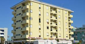 Holiday apartment 1353200 for 4 persons in Bibione