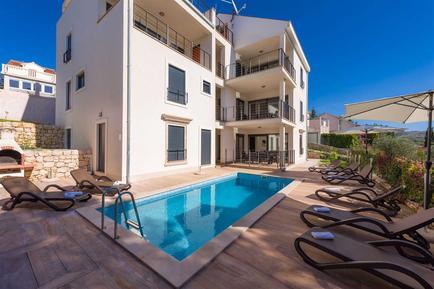 Gemütliches Ferienhaus : Region Split-Dalmatien für 8 Personen
