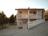 Appartamento 1354248 per 6 persone in Starigrad-Paklenica