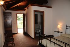 Room 1354792 for 4 persons in Acireale