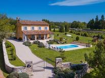 Casa de vacaciones 1354835 para 8 personas en Grožnjan