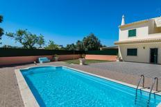 Ferienhaus 1354896 für 8 Personen in Ferreiras