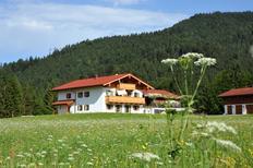 Ferienwohnung 1358030 für 4 Personen in Reit im Winkl