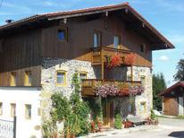 Ferienwohnung 1359665 für 5 Personen in Teisendorf