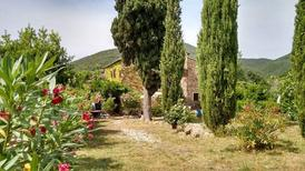 Ferienwohnung 1359790 für 4 Personen in Castellina Marittima