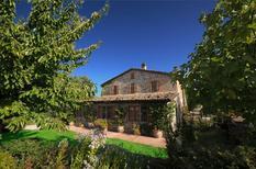 Ferienhaus 1360555 für 14 Personen in Marsciano