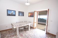 Ferienhaus 1360577 für 10 Personen in Campo Nell'elba