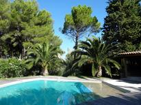 Ferienhaus 1360844 für 10 Personen in Roquefort-la-Bédoule
