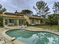 Maison de vacances 1361478 pour 8 personnes , Saint-Raphaël