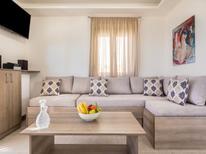 Ferienhaus 1361480 für 4 Personen in Triopetra