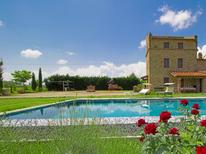 Casa de vacaciones 1362139 para 9 personas en Cortona