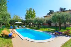 Villa 1362449 per 8 persone in Seravezza