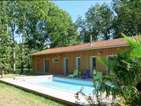Holiday home 1362739 for 8 persons in Grayan-et-l'Hôpital