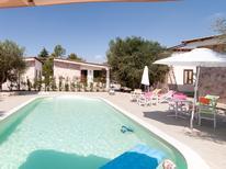 Ferienhaus 1363753 für 16 Personen in Lecce