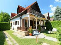 Ferienhaus 1363996 für 6 Personen in Balatonföldvar