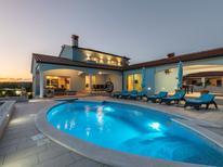 Ferienhaus 1365260 für 8 Personen in Rogocana