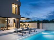 Casa de vacaciones 1365847 para 10 personas en Umag