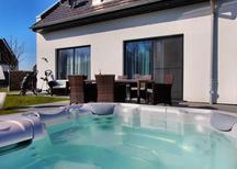 Rekreační dům 1366404 pro 6 dospělí + 1 dítě v Göhren-Lebbin