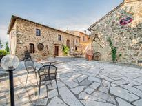 Ferienhaus 1367247 für 18 Personen in Montalcino