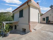 Appartement 1367689 voor 4 personen in Gasponi