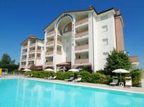 Ferienwohnung 1368885 für 5 Personen in Lido degli Estensi