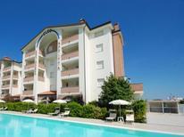 Ferienwohnung 1368887 für 5 Personen in Lido degli Estensi