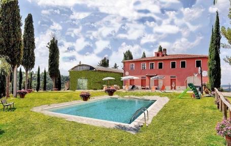 Gemütliches Ferienhaus : Region Montelopio für 10 Personen