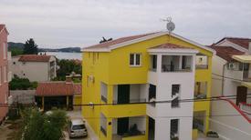 Appartement de vacances 1369835 pour 6 personnes , Pakoštane
