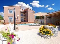 Casa de vacaciones 1370346 para 10 personas en Belavici