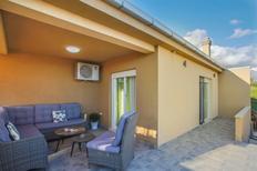 Maison de vacances 1370712 pour 8 personnes , Kaštel Sućurac