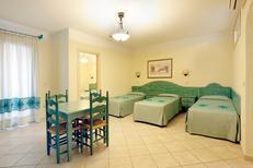 Ferienhaus 1370790 für 5 Personen in Orosei-Sos Alinos
