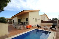 Holiday home 1370863 for 6 persons in Urbanitzacio Riumar
