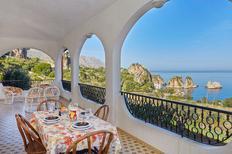 Ferienhaus 1371940 für 10 Personen in Castellammare del Golfo