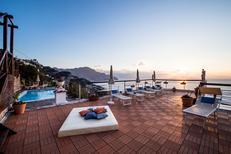 Ferienhaus 1372304 für 16 Personen in Amalfi