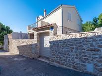 Vakantiehuis 1372953 voor 8 personen in Kožino