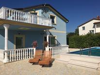 Villa 1373053 per 10 persone in Juricani