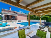 Holiday home 1373330 for 12 persons in Matohanci