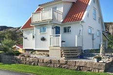 Holiday home 1373549 for 8 persons in Skalhamn