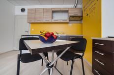 Appartement 1373707 voor 2 volwassenen + 1 kind in Varna