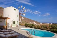 Holiday home 1373739 for 5 persons in Santorini