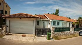 Vakantiehuis 1373904 voor 8 personen in Premantura